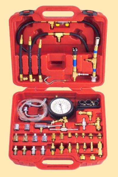 Тестер давления для бензиновых, инжекторных двигателей универсальный    46 предметов