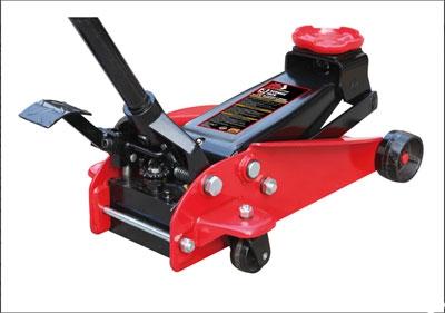 Домкрат подкатной 3т. Н.150мм-490мм с быстрым подъёмом педалью.